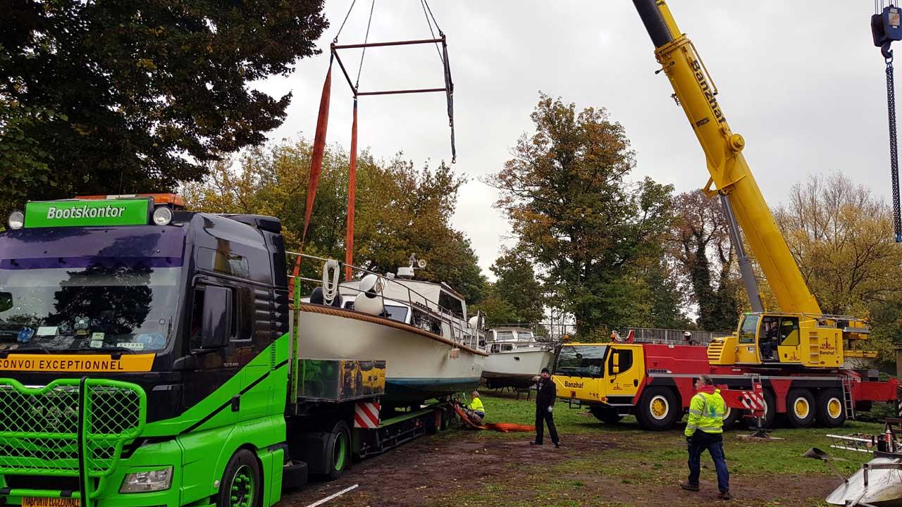 Kranservice für Boote und Yachten - slippen und transportieren
