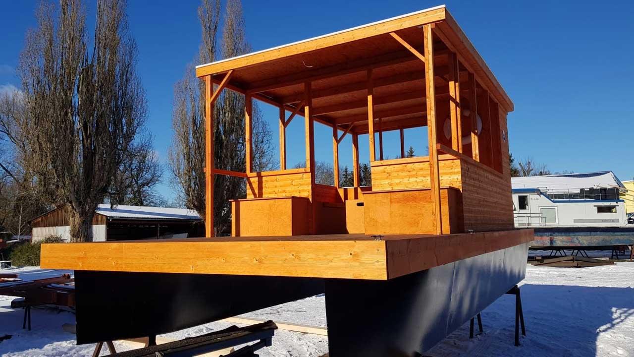 Schiffsaufbauten aus Holz bei Jacko fertigen