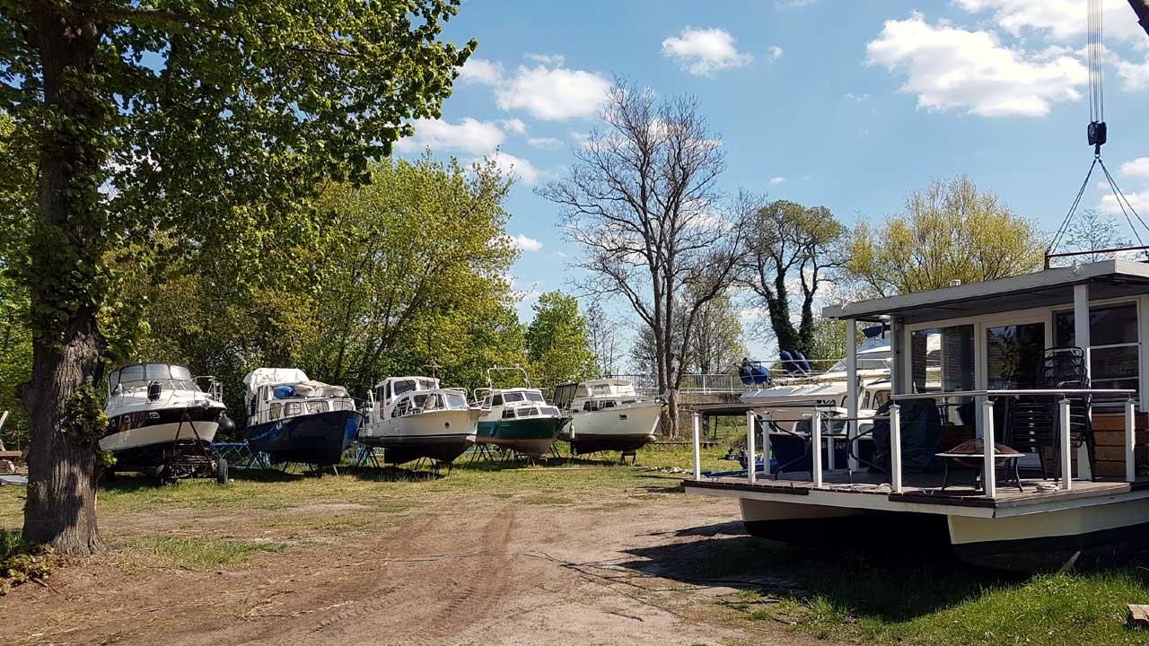 Service für alle Wasserfahrzeuge beim Jacko Bootsservice