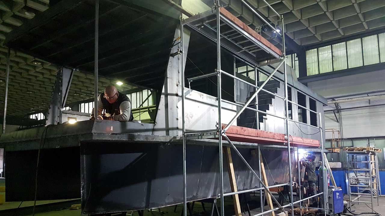 Stahlhausboot-Bau bei Jacko Schiffbau